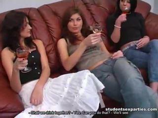 混合 的 movs 從 學生 性別 parties