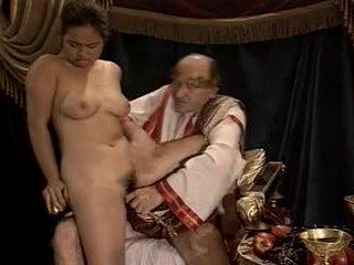 Asiatique jeune fille casting fabriqué par plus & gros grand-père