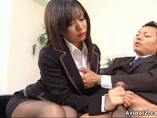 Σέξι γραμματέας satomi maeno sucks an άσχημος/η καβλί!