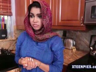 Sexy arab utie ada creampied qua to con gà trống sau fucking