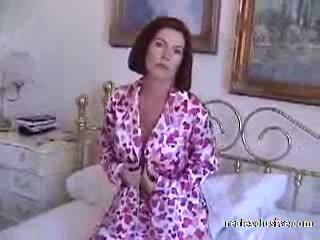 Barbara 53 years zgodaj jutro seks v pajamas video
