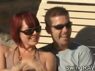 यह पूल पार्टी होती हे an बहाना को बनाना स्विंगर couples मिलना नॅस्टी