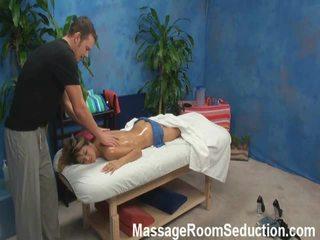 Veronica lured і shaged по її масаж therapist onto прихований camera