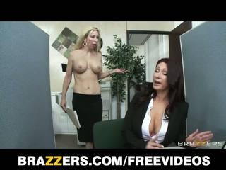 Brazzers - 赤毛 熟女 tiffany mynx 処罰 のために 貧しい 仕事