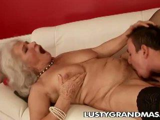 Lusty grandmas: סבתא norma שרמוטה עדיין loves מזיין