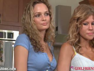 Girlfriendsfilms strapped leszbikus bevállalós anyuka hármas