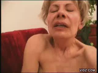 Two blondie grannies all fired up for female orgasma gelmek