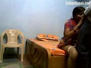 Індійська servant трахання дуже жорсткий з houseowner в спальня