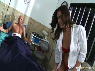 Медсестра nailing