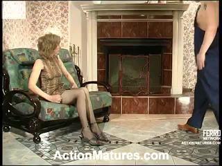 Penelope dan adam miang/gatal ibu dalam tindakan
