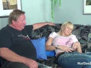 Gras stepdad prins lui pas fiică și la dracu ei pasarica - mai mult pe hotcamgirls24.com