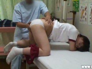 Reluctant teengirl seduced līdz masseur 2