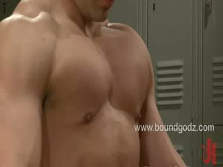 Brenn blows his load all over Vinces muscled body