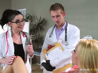 Su aaliyah pažinčių s regular physician retiring ji
