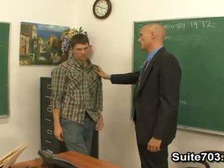 Gėjus mokytojas troy dulkinimasis studentas william sunkus