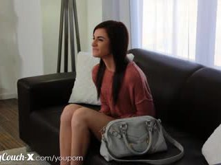 鑄件 couch-x 害羞 女孩 wants 到 得到 性交 上 凸輪