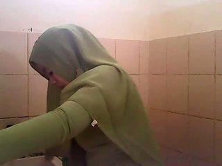 Ndelok gagal jilbab hijau