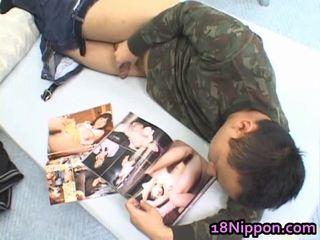 Hawt asiatique ado jerks de son boyfriend
