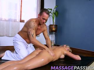 Lexi lowe wants his hard jago in her udan nyenyet hole.