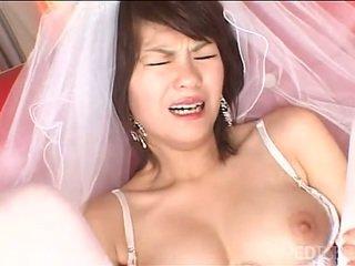 Solo japán menyasszony masturbates