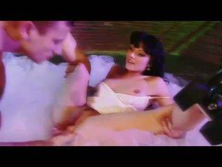 Seksuālā skaistule ava rose gets viņai vāvere eaten un swallows a liels grūti dzimumloceklis