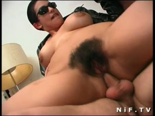 Berbulu perancis gadis nakal gets double anal penetration