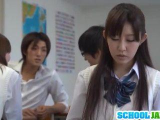 Besar titted gadis sekolah azumi