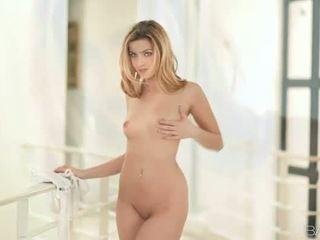 Pornotäht abigaile johnson nailed