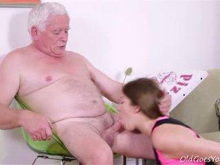 Rita van getting kész hogy ad fel neki virginity de ő needs two guys mert a munka!