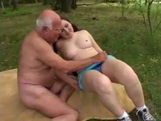 Starý otec mireck - a súložiť v the les, porno a8