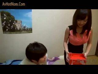 Gorące japońskie mama 39 przez avhotmom