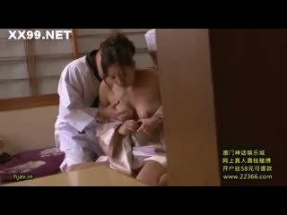 Nuori vaimo pomo seduced henkilöstö 08