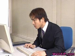 Aranyos ázsiai titkárnő képzett
