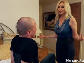 Lama julia ann membuat cinta onto sleaze america