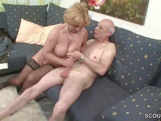 Oma und opa ficken das erste mal im porno fuer kuolla rente